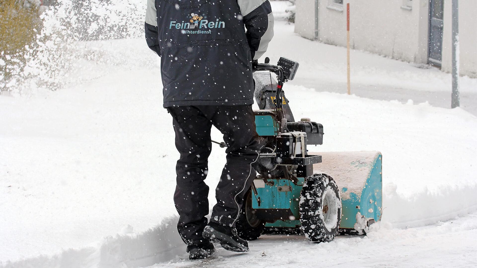 Fein & Rein Winterdienst beim Schnee räumen