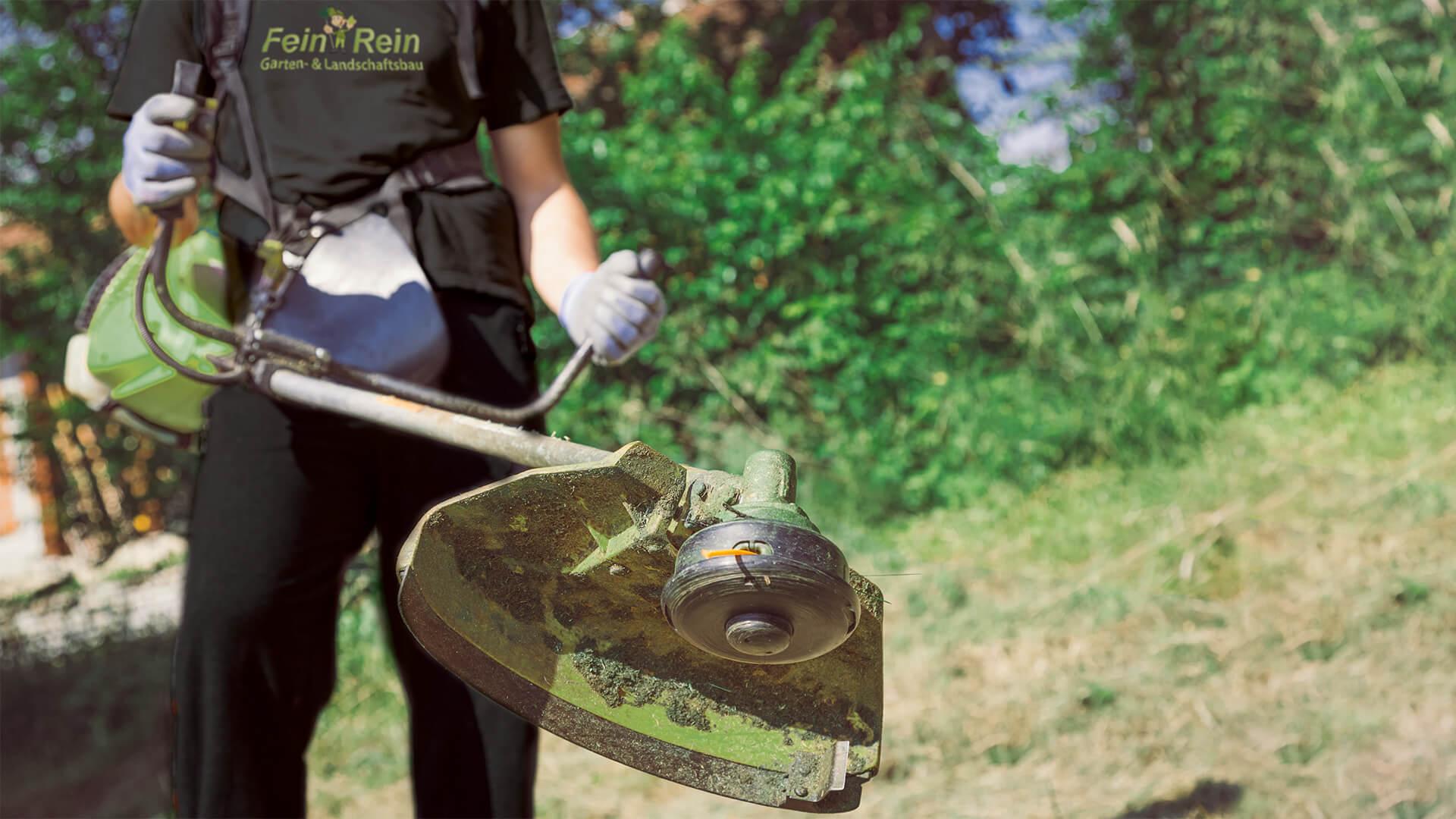 Fein & Rein Garten- und Landschaftsbau bei der Arbeit